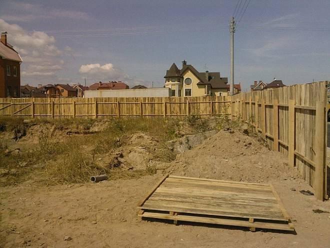 Какое временное ограждение строительной площадки выбрать?