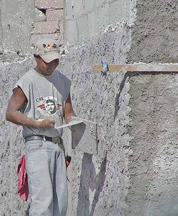 Штукатурка пеноблоков: можно ли штукатурить цементным раствором внутри помещения, необходимые инструменты и материалы