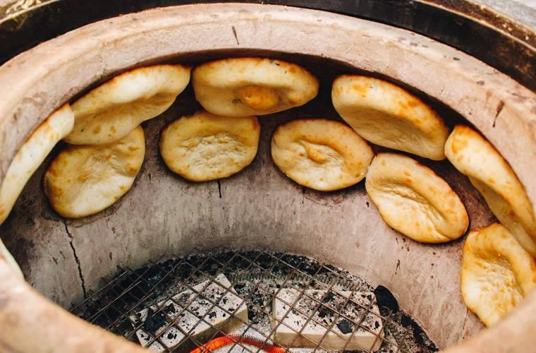 6 шагов приготовления узбекских лепешек в тандыре