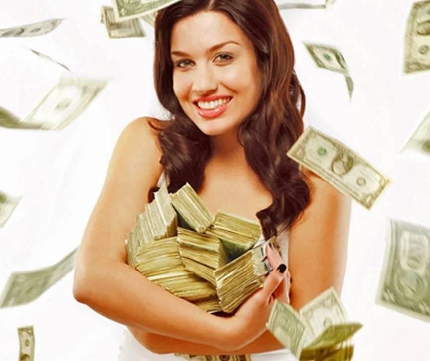 Четыре сильные молитвы на привлечение денег и благополучия в семью