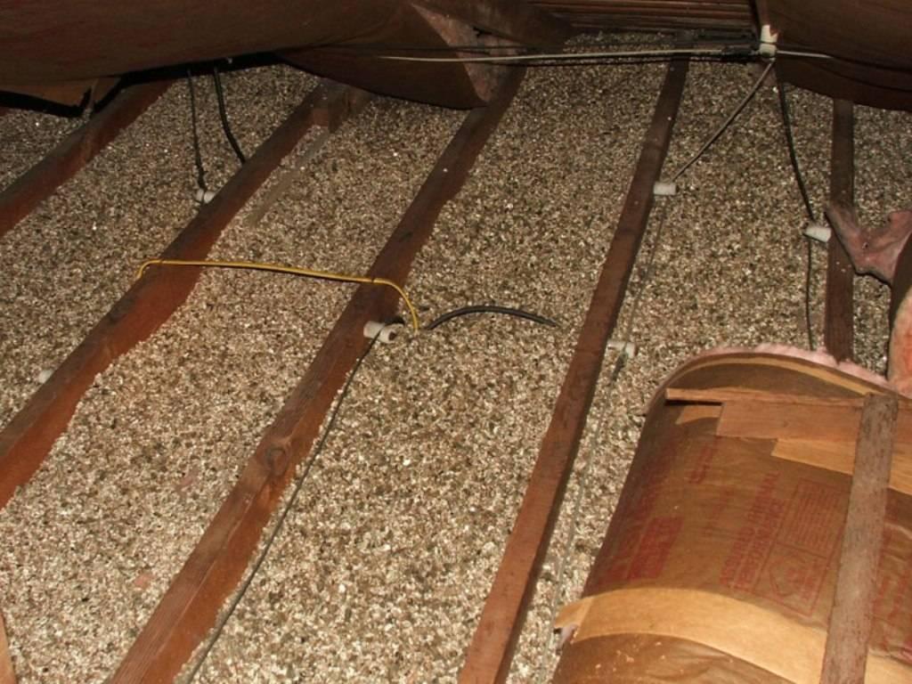 Как правильно утеплить потолок в бане керамзитом своими руками: толщина слоя