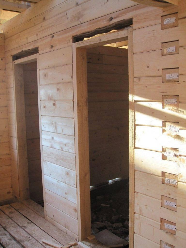 Установка дверей в бане из сруба: как произвести монтаж