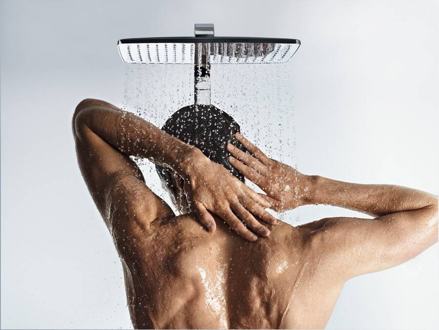 Леденящий душу контрастный душ: любопытные факты о процедуре