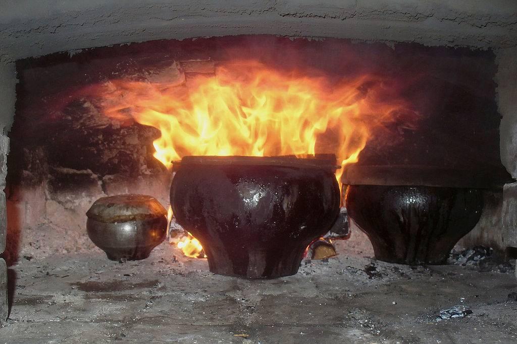 Чугунная посуда – что можно готовить в таких емкостях и как правильно за ними ухаживать?