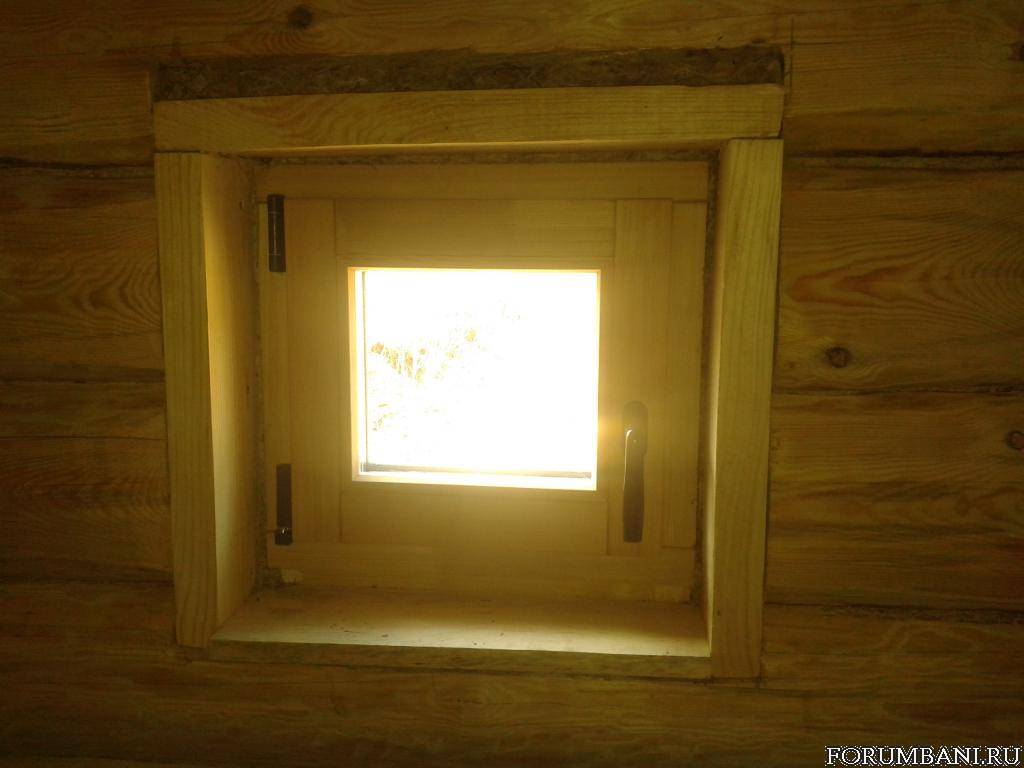 Нужно ли делать окна в парилку? если да, то какие по размеру и расположению и прочие нюансы