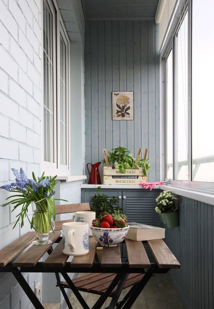 Балкон в скандинавском стиле, более 30 фото дизайна интерьера, фото закрытого балкона