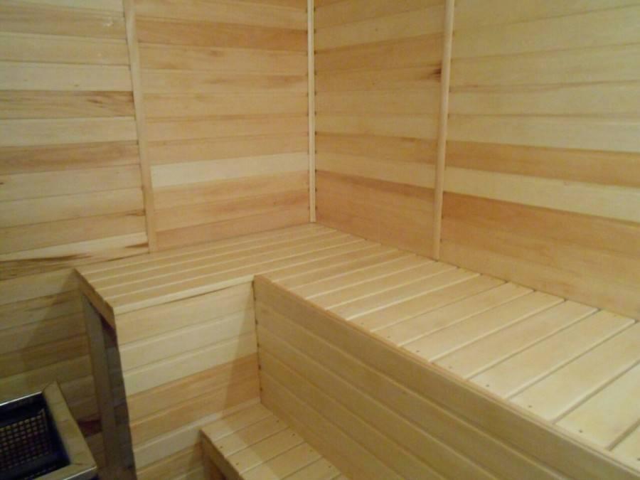 Вагонка – удобный материал для обшивки внутренних стен бани