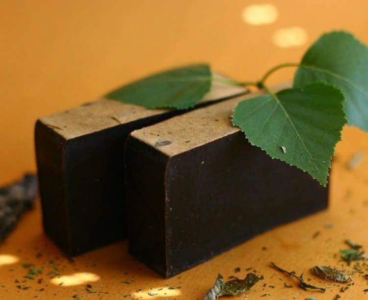 Дегтярное мыло: польза и возможный вред