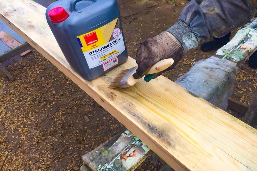Обработка древесины от грибка и плесени народными и профессиональными средствами