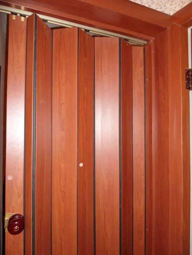 Как сделать и установить дверь-гармошку своими руками (видео)