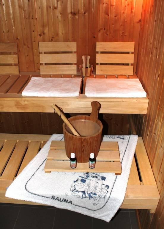 Вешалка в баню своими руками: фото, идеи, советы. как сделать вешалку для бани своими руками?