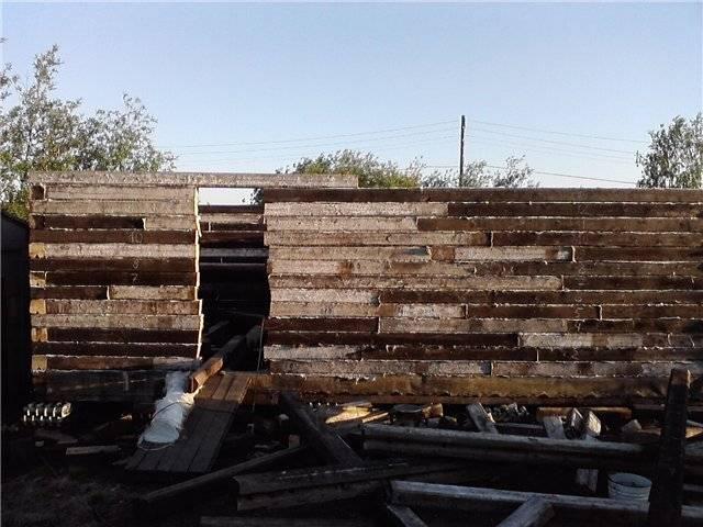 Баня из деревянных шпал