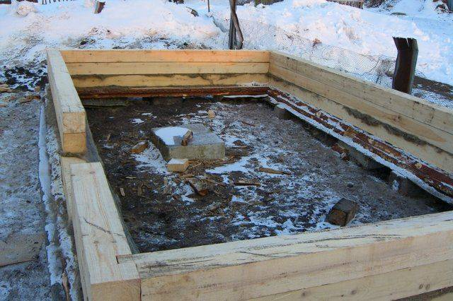 Как выбрать фундамент под баню из бруса