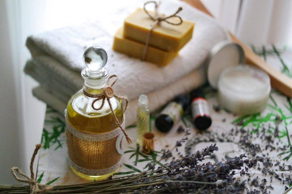 Как использовать эфирные масла в быту и для ухода за собой