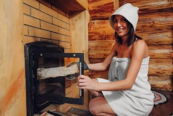 Как правильно топить баню - как пользоваться сауной и хамамом, советы по температуре, выбору дров с фото