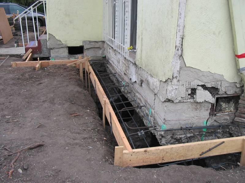 Как правильно провести ремонт фундамента: разбор основных причин разрушения и их устранение