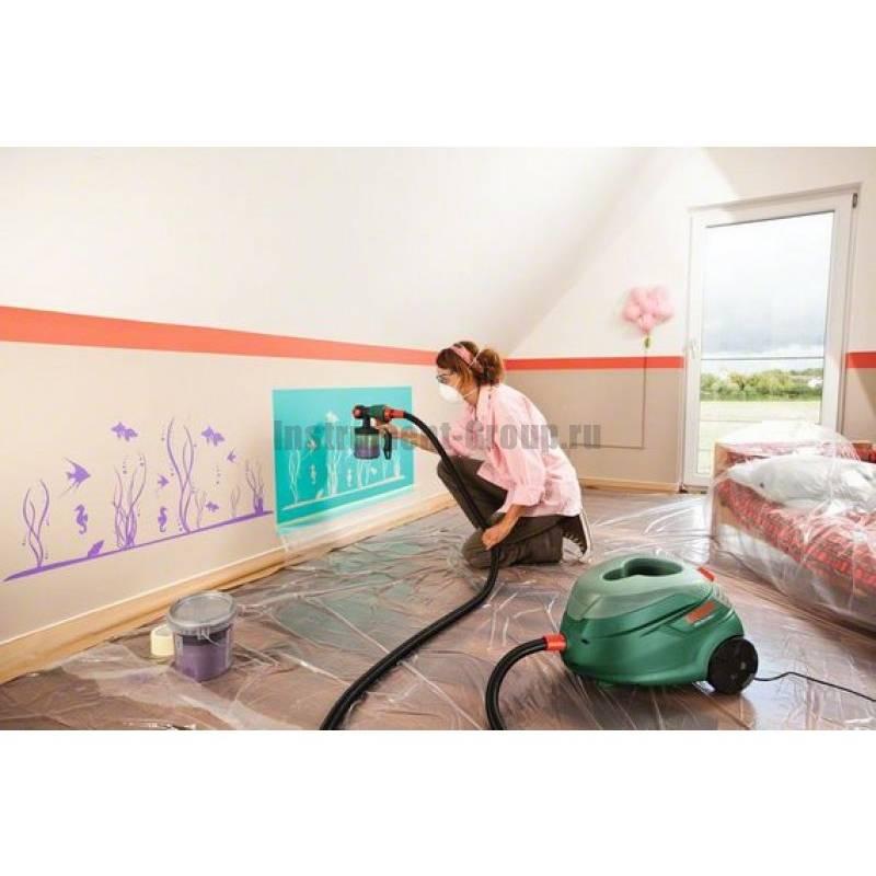 Чем лучше покрасить потолок в деревянном доме