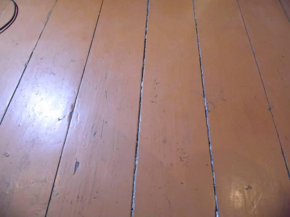 Чем заделать щели в деревянном полу: проверенные домашние и современные способы