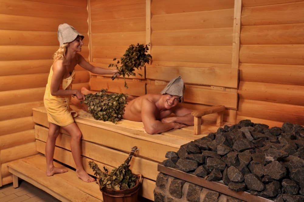 Чем полезна баня для женщин