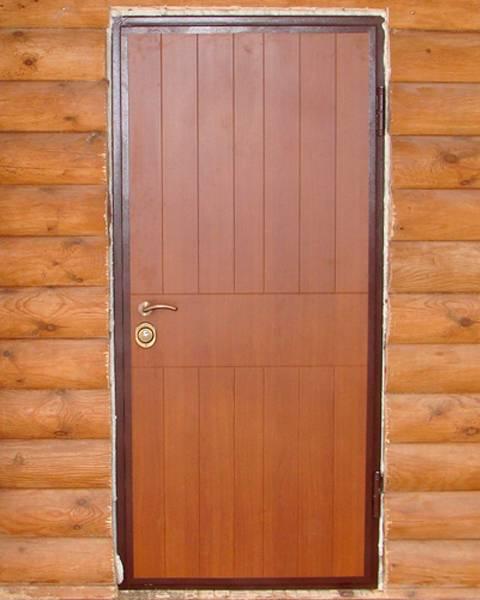 Какие входные двери в баню лучше поставить?