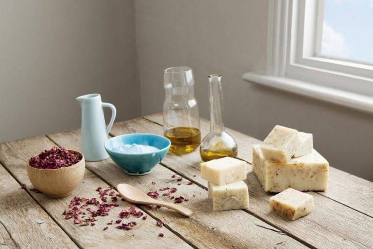 Способы применения хозяйственного мыла в народной медицине и в быту