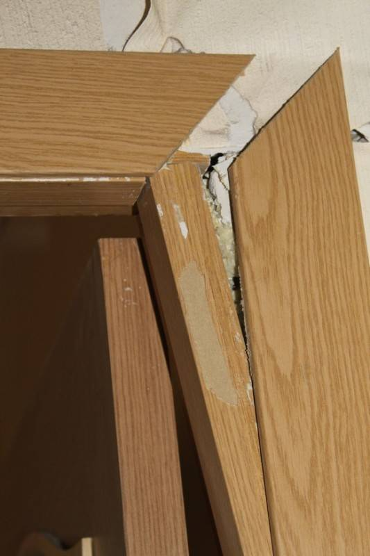 Что делать если просела дверь, причины проседания двери и способы их устранения