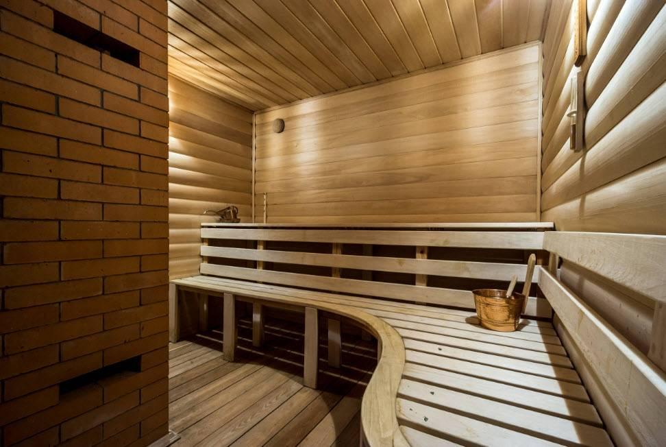 Внутренняя отделка бани своими руками – подбор пород древесины для разных помещений и порядок работ