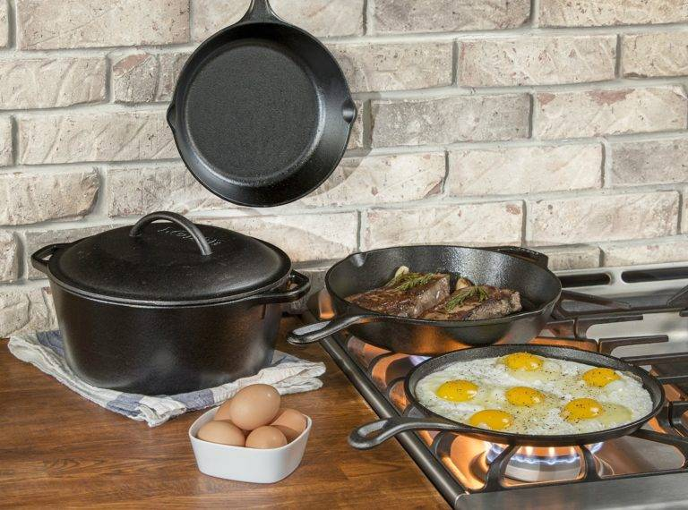 Как подготовить чугунную сковороду перед первым применением: способы прокаливания и уход