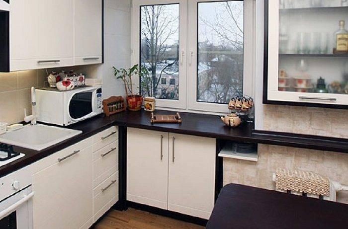 Как использовать широкий подоконник на кухне: переходящий в стол, вместо стола, стильные примеры, фото.