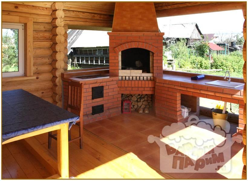 Баня с беседкой под одной крышей - односкатной, двускатной; с застекленной террасой, верандой, зоной барбекю