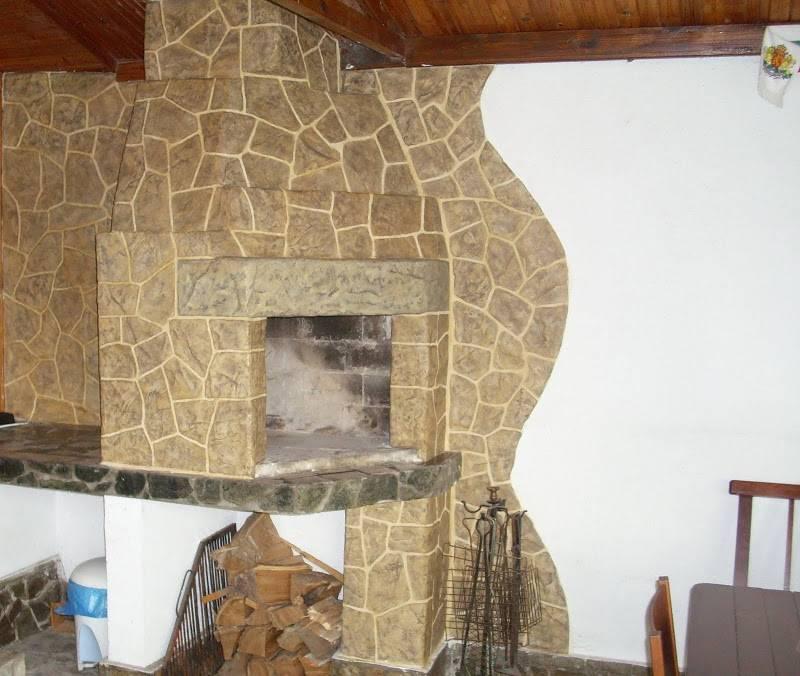 Отделка камина декоративным камнем (57 фото): декор фальш-камина гипсом и искусственным камнем
