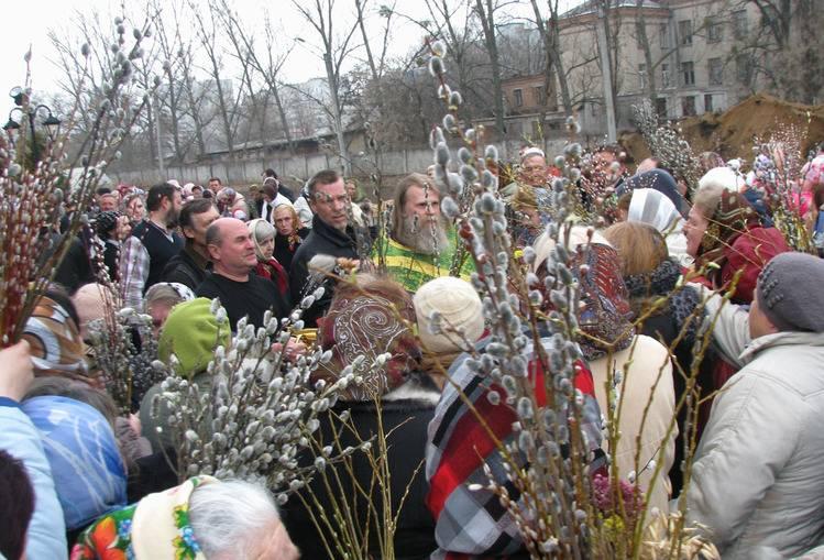 Можно ли мыться в церковные праздники и воскресенье, запрещенные дни, правила и суеверия