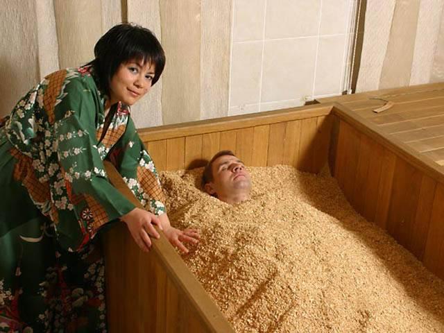 Японская баня-бочка: фурако и офуро, особенности, преимущества и недостатки