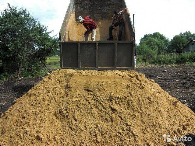Какой песок нужен для строительства фундамента?