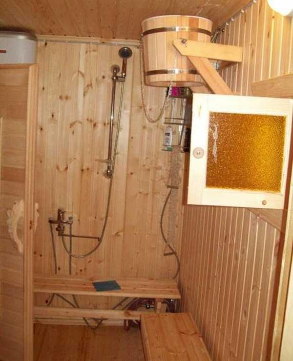 Душевая в деревянном доме - пошаговая инструкция по оборудованию и обустройству своими руками с видео и фото