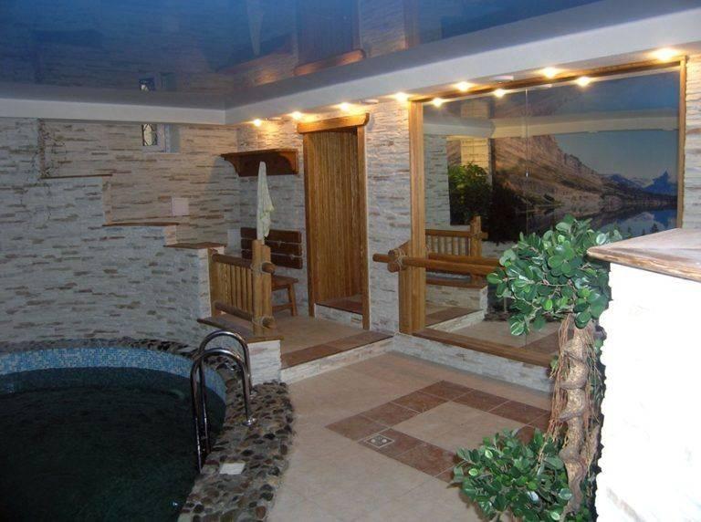 Баня в цокольном этаже дома, специфика устройства, полезные советы