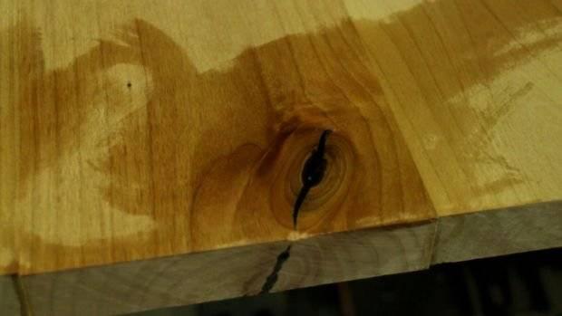 Ремонт трещин в дереве: лучшие способы