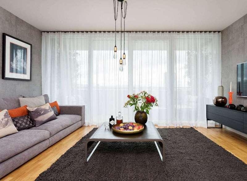 Шторы для маленького окна: стиль, материалы и форма