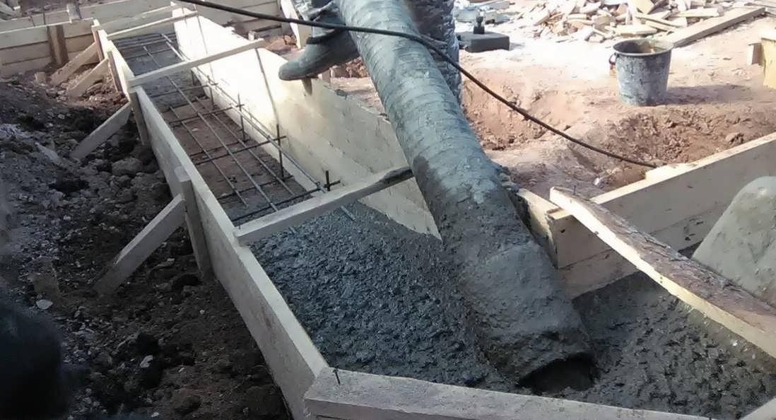 Можно ли заливать фундамент частями за несколько дней с арматурой и как это делать