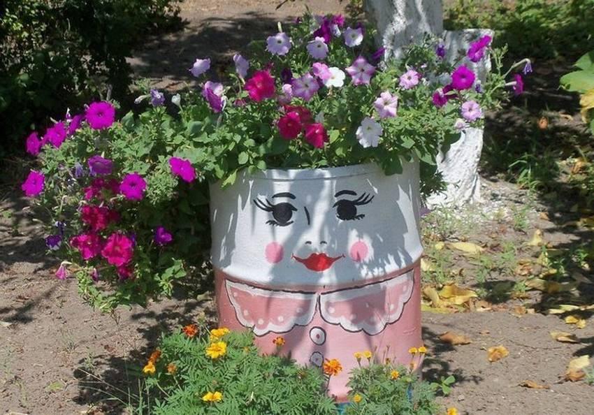 Декор старых бочек в саду. как разукрасить бочки на даче? интересные советы