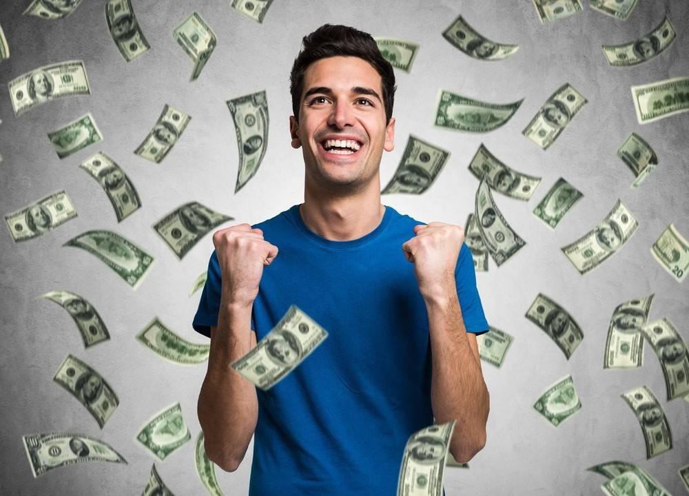 Как оригинально подарить деньги?