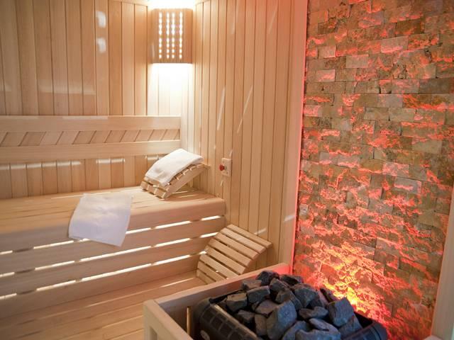 Чем отличается баня от сауны: сравнение, разница. баня или сауна: что лучше построить в доме?