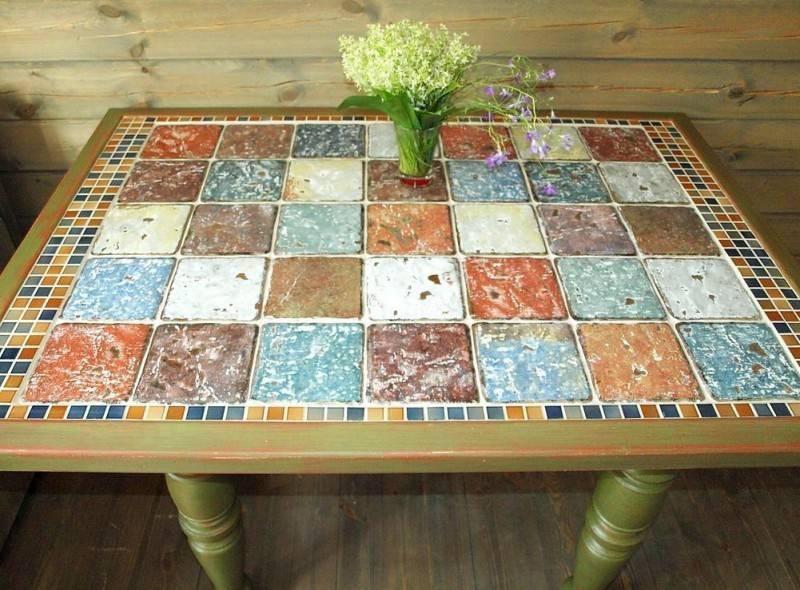 3 простых варианта, из чего можно сделать декоративную мозаику на столе