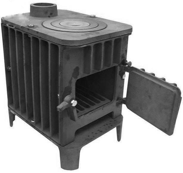Какая печь лучше для бани — чугунная или стальная?