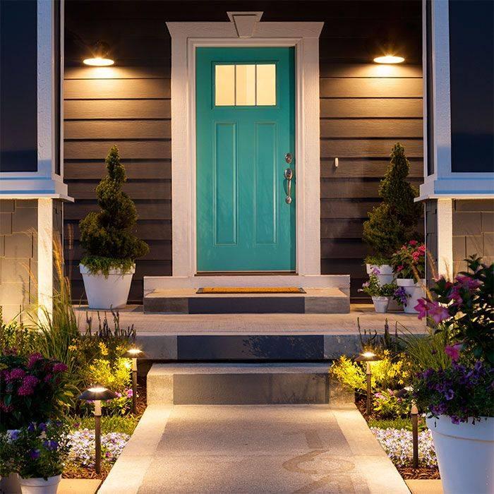 Красивое крыльцо для частного дома – 40 фото