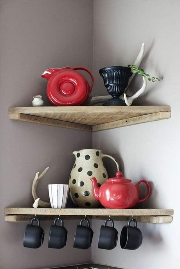 Системы хранения для кухни: для кастрюль и сковородок, для хранения овощей, для сыпучих продуктов, для столовых приборов, полезные советы, фото.