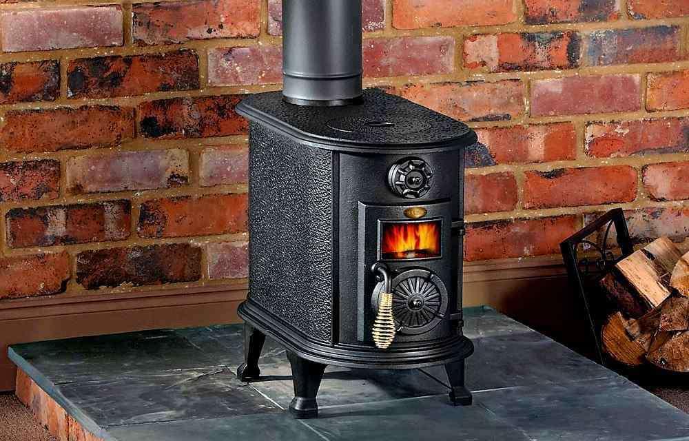 Чугунные печи для дома длительного горения - устройство и обзор моделей