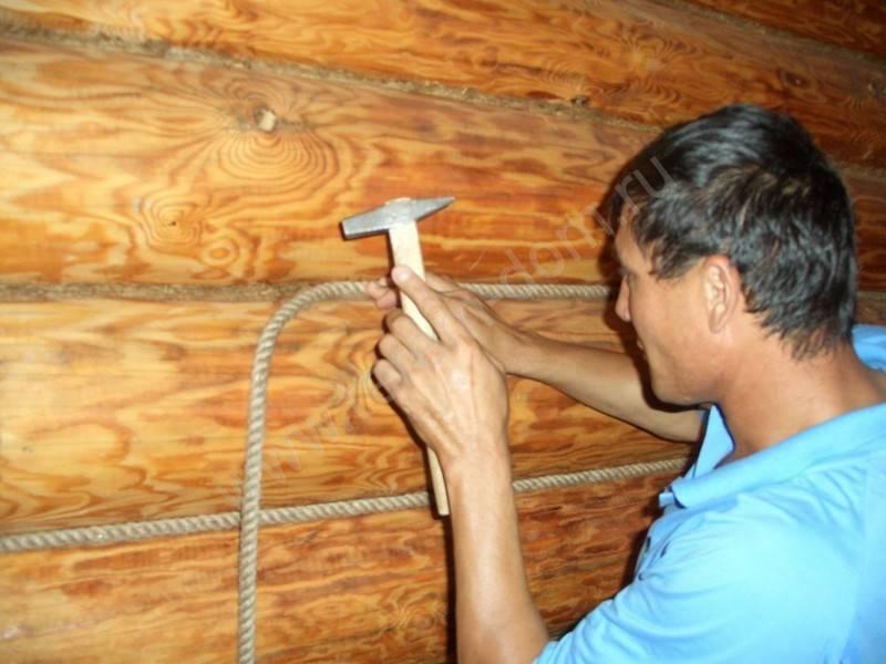 Конопатка: зачем, как и когда конопатить дом из бруса