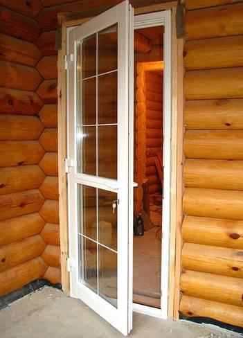 Двери для бани и сауны: их разновидности, особенности устройства и эксплуатации
