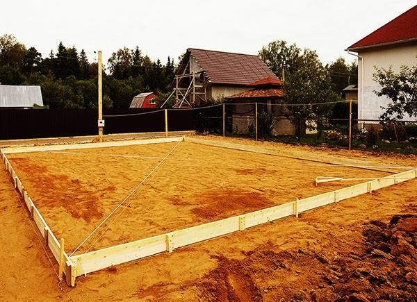 Песок для фундамента дачи: речной или карьерный